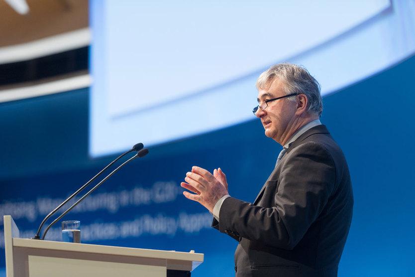 "Dr. Wolfgang Scheremet eröffnete am 16. März  die Konferenz ""Digitising Manufacturing in the G20 - Initiatives, Best Practices and Policy Approaches"" in Berlin.; Quelle: BMWi/Maurice Weiss"