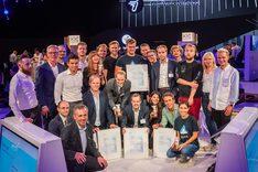 "Gruppenbild Preisträgerteams ""Digitales Start-up des Jahres 2019"""