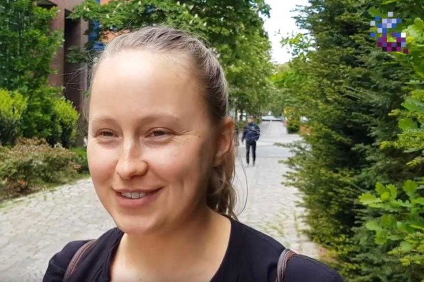 Screenshot vom Vlog mit Katharina Schmidt von apic.ai.