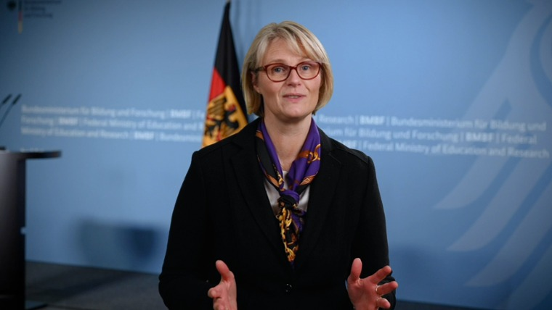Standbild Digital-Gipfel, Anja Karliczek