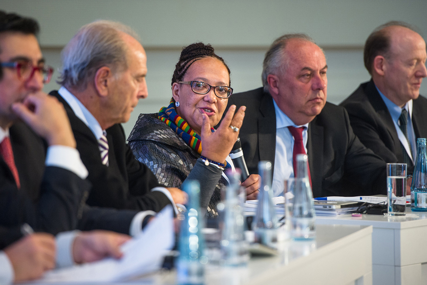 The first panel discussion addressed the issue of 'Assessment of Digital Development and Approaches to Policy Making'; source: BMWi/Maurice Weiss